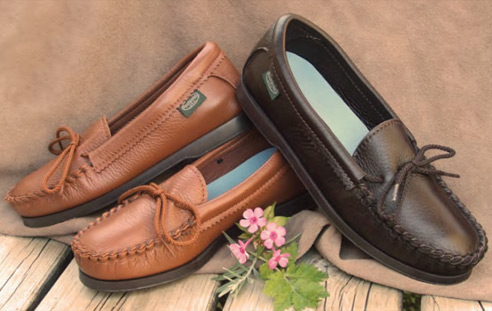 Women's Leather & Deerskin Moccasins